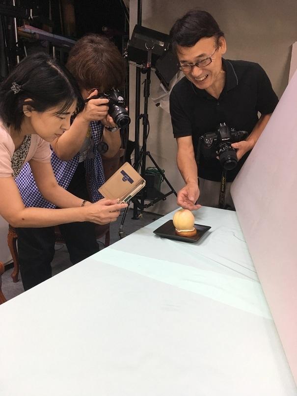 プロカメラマンが家庭教師のように写真の撮り方を教えてくれます
